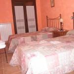 Habitación con dos camas individuales de 1.10 cm