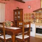 Salón y cocina totalmente amueblada